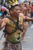 从他的男性舞蹈家跳舞亚马逊的地区户外 库存图片
