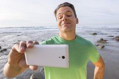 傻的男性selfie pic 免版税库存图片