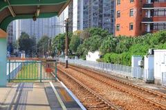 轻的路轨在屯门香港 库存图片