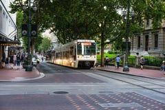 轻的路轨在波特兰俄勒冈 免版税库存图片