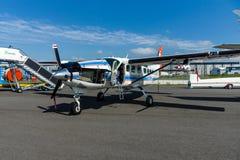 轻的运输涡轮螺旋桨发动机赛斯纳208B盛大有蓬卡车德国航空太空中心(DLR) 库存图片