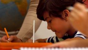 类的逗人喜爱的孩子在学校 股票录像