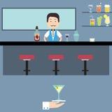 他的酒吧的男服务员 免版税库存照片