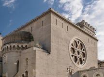 的里雅斯特,弗留利威尼斯湾朱莉娅,意大利犹太教堂的美丽的景色  免版税库存照片