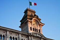 的里雅斯特,意大利-意大利广场,香港大会堂拖曳细节团结  库存照片