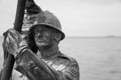 的里雅斯特-海上的战士雕象 免版税库存照片