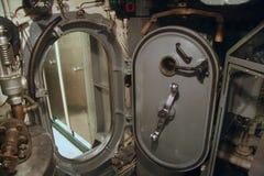 水紧的门, WW2潜水艇 免版税库存照片