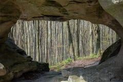 从洞的风景视图 库存照片