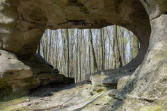 从洞的风景视图 免版税库存图片