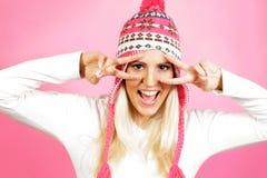年轻轻的头发女性模型,穿戴在冬天衣物 库存图片