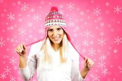 年轻轻的头发女性模型,穿戴在冬天衣物 免版税图库摄影
