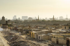 死的贫民窟城市在开罗埃及 免版税库存照片