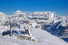 冻结的滑雪电缆车在Stubai阿尔卑斯 图库摄影