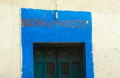 的Bienvenidos可喜的迹象用西班牙语 免版税库存图片