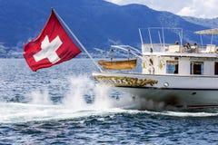 离去的La Suisse船船尾  库存图片