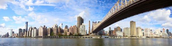 皇后区大桥全景NYC 库存照片