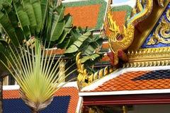 皇宫建筑学细节在曼谷 免版税库存图片