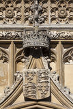 皇家冠和徽章在金氏学院的在剑桥 库存图片