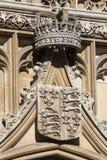 皇家冠和徽章在金氏学院的在剑桥 图库摄影