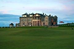 皇家古老俱乐部的高尔夫球 库存图片