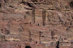 皇家坟茔门面  在Petra的洞坟茔,约旦 免版税库存图片