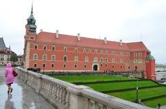 皇家城堡四德街视图在华沙,波兰 免版税库存照片