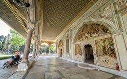 皇家委员会入口Topkapi宫殿,伊斯坦布尔,土耳其 免版税库存照片