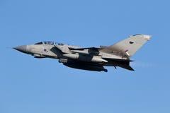 皇家空军龙卷风GR 4架轰炸机喷气式歼击机飞机 免版税库存照片