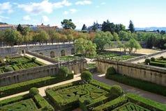 皇家站点圣洛伦索德埃莱斯科里亚尔,西班牙的国王的一个历史住所的庭院 库存图片