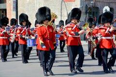 皇家第22个军团的战士游行  免版税库存照片