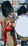 皇家第22个军团的战士游行  图库摄影