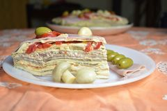 皇家薄煎饼塔的一个开胃部分 免版税库存照片