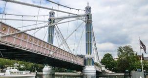 皇家阿尔伯特桥梁的看法在伦敦 免版税库存照片