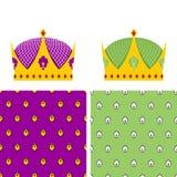 皇家集合:披风的无缝的样式和Ki的一个金黄冠 免版税库存照片