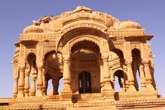 皇家Bada Bagh Chhatris或纪念碑的  图库摄影