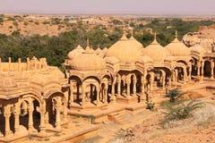 皇家Bada Bagh Chhatris或纪念碑的  免版税库存照片