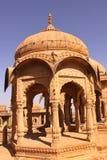 皇家Bada Bagh Chhatris或纪念碑的  库存照片