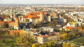 皇家Wawel城堡顶视图  对总统莱赫・瓦文萨的旨令的历史的纪念碑1994年9月8日的 免版税库存照片