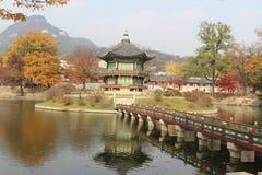 皇帝的韩国宫殿亭子,景福宫宫殿在晚上,汉城,韩国 库存图片