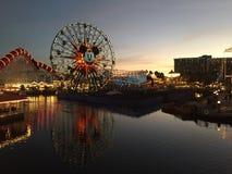 皮克斯码头夜风景的迪斯尼乐园洛杉矶 免版税库存照片