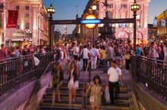 皮卡迪利广场在夜 伦敦 库存照片