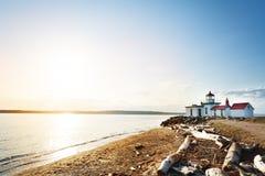 皮吉特湾, WA海湾有西点军校灯塔的 免版税图库摄影