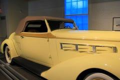 1936年皮尔斯箭头敞篷车小轿车,萨拉托加自动博物馆,纽约, 2015年 免版税库存图片