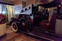 1937年皮尔斯箭头镇汽车 库存照片