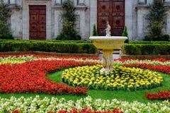 皮恩扎, TUSCANY/ITALY - 5月18日:花卉展示外部皮恩扎C 免版税库存照片