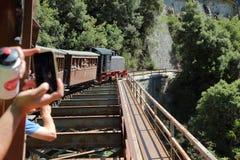 皮立翁山,希腊一点火车  免版税库存照片