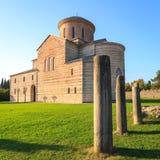 皮聪大,阿布哈兹, 2017年9月19日:以纪念传道者安德鲁的古老家长式大教堂在皮聪大在温暖的夏天da 库存图片