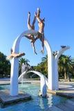 皮聪大,阿布哈兹, 2017年9月23日:著名雕刻的构成`海`,描述采珠人和海豚,在c 免版税库存照片