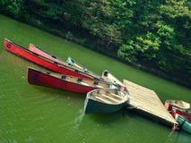 皮船港口。 免版税图库摄影