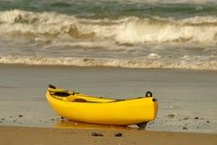 皮船黄色 库存图片
